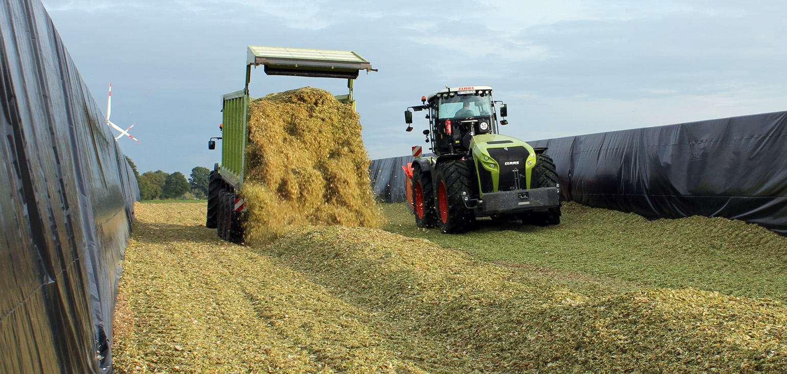 XVIII International Silage Conference - Tractor Silage Compactor